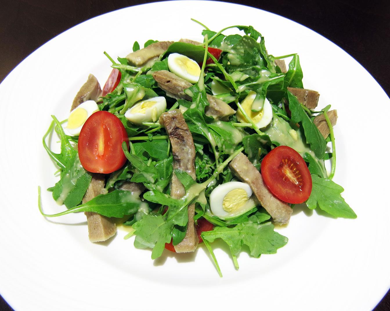Салат из рукколы на русский манер ресторан Аннам Брахма в Оренбурге
