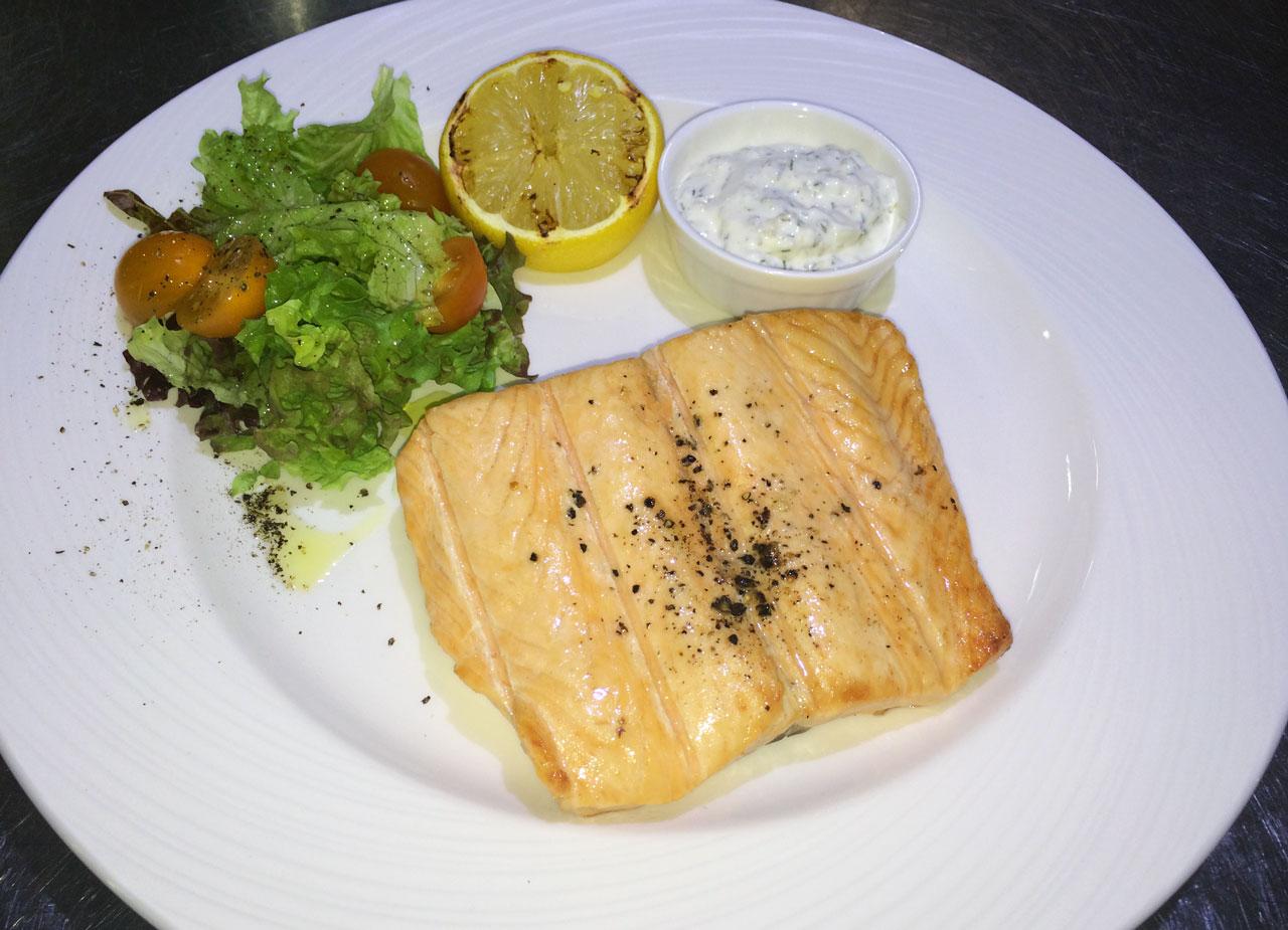 Стейк из норвежского лосося - ресторан Аннам Брахма в Оренбурге