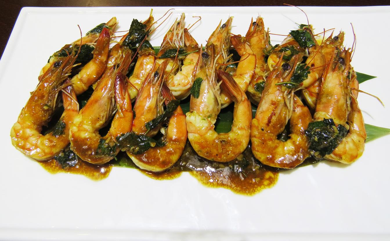 Тигровые креветки под лаймовым соусом ресторан Аннам Брахма в Оренбурге