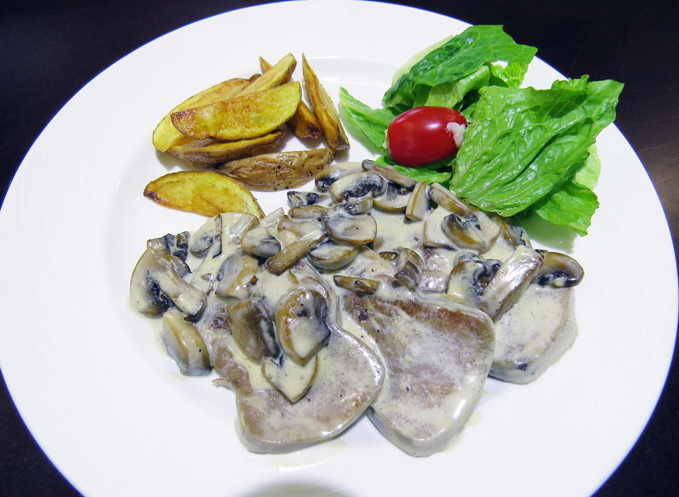 Язык в сливочно грибном соусе ресторан Аннам Брахма в Оренбурге