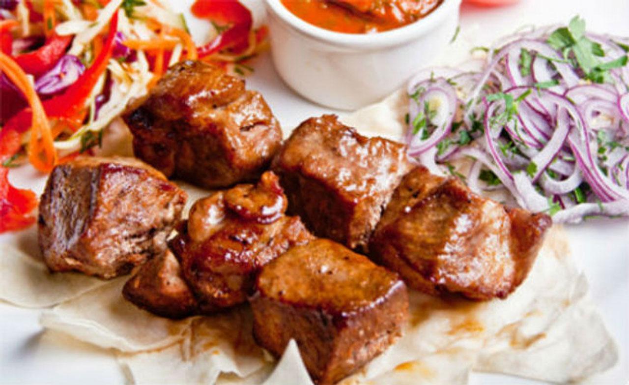 шашлык из мякоти свинины ресторан Аннам Брахма в Оренбурге