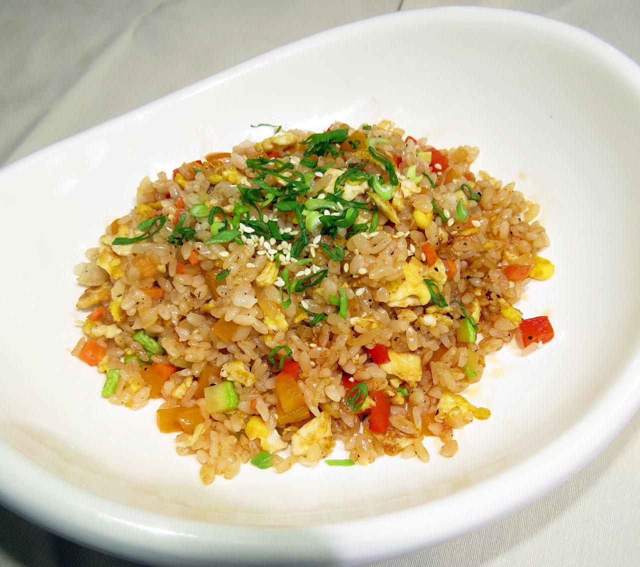 Чахан Жаренный рис с овощами. Ресторан Аннам Брахма в Оренбурге