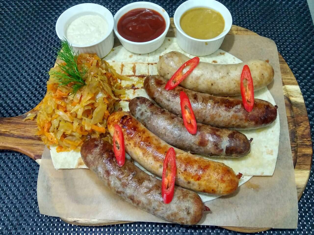 Колбаски Пять звезд - в ресторане Аннам Брахма в Оренбурге