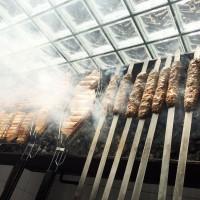 Вкусное мясо на мангале на свадьбе в ресторане Аннам Брахма в Оренбурге