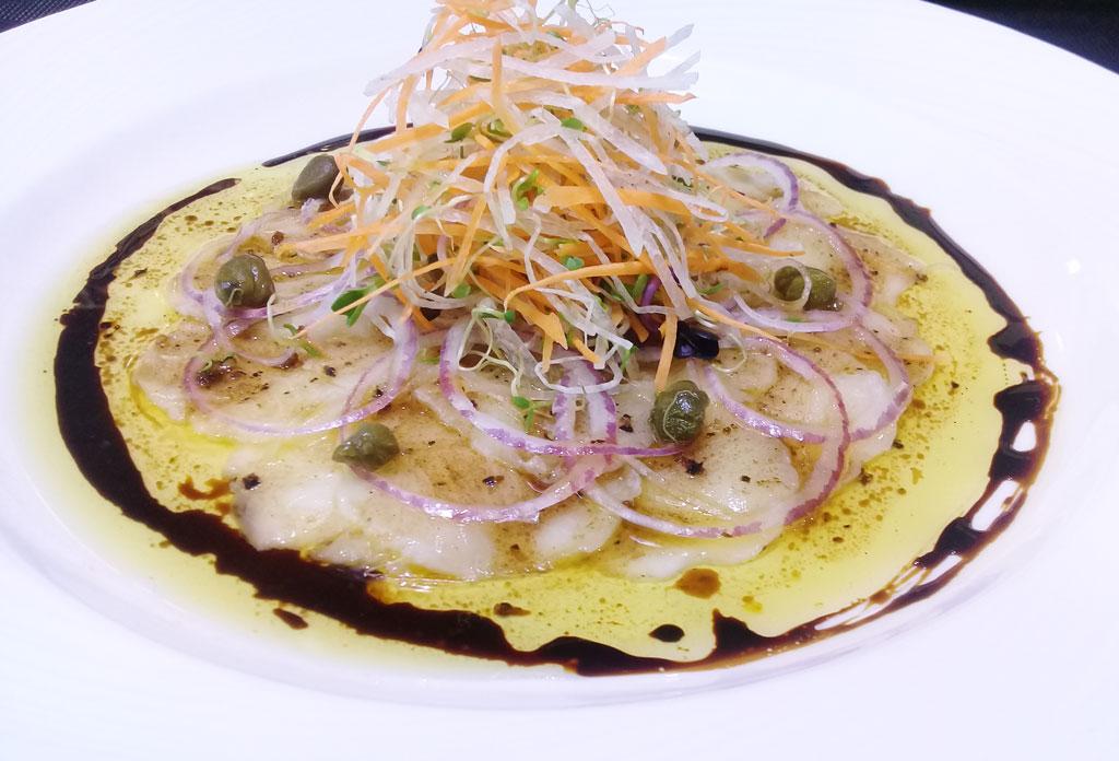 Карпаччо из чилийского сибаса - в ресторане Аннам Брахма в Оренбурге