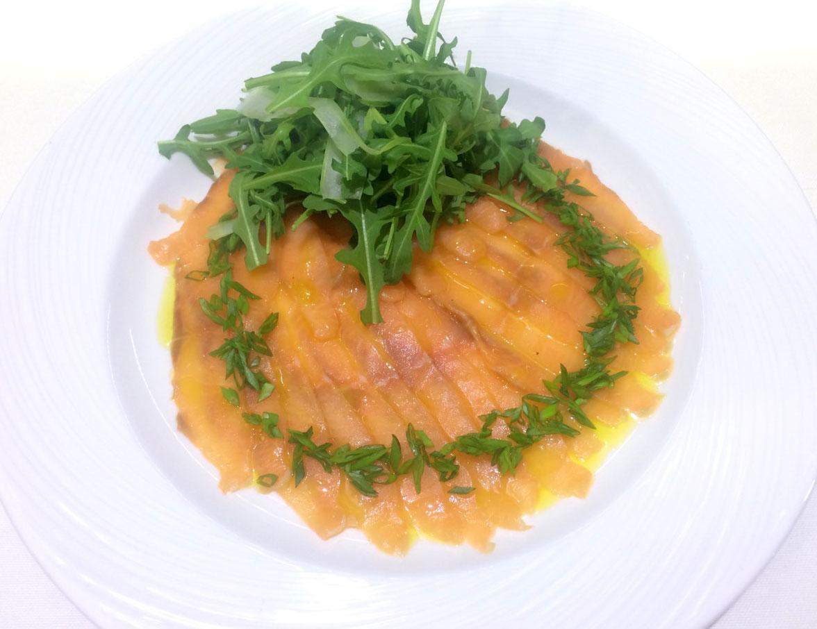 Карпаччо из лосося - ресторан Аннам Брахма в Оренбурге
