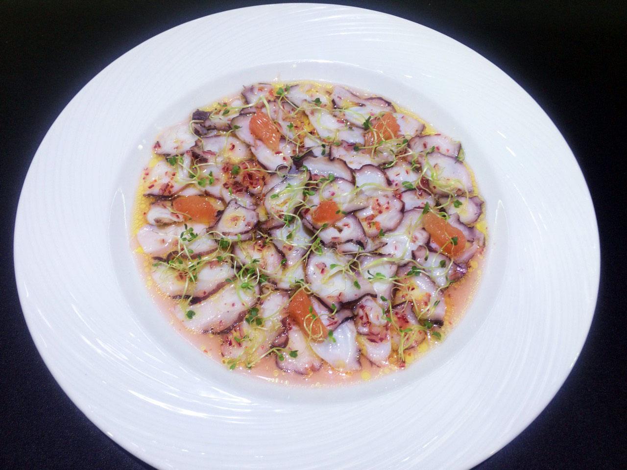Карпаччо из осьминога - в ресторане Аннам Брахма в Оренбурге