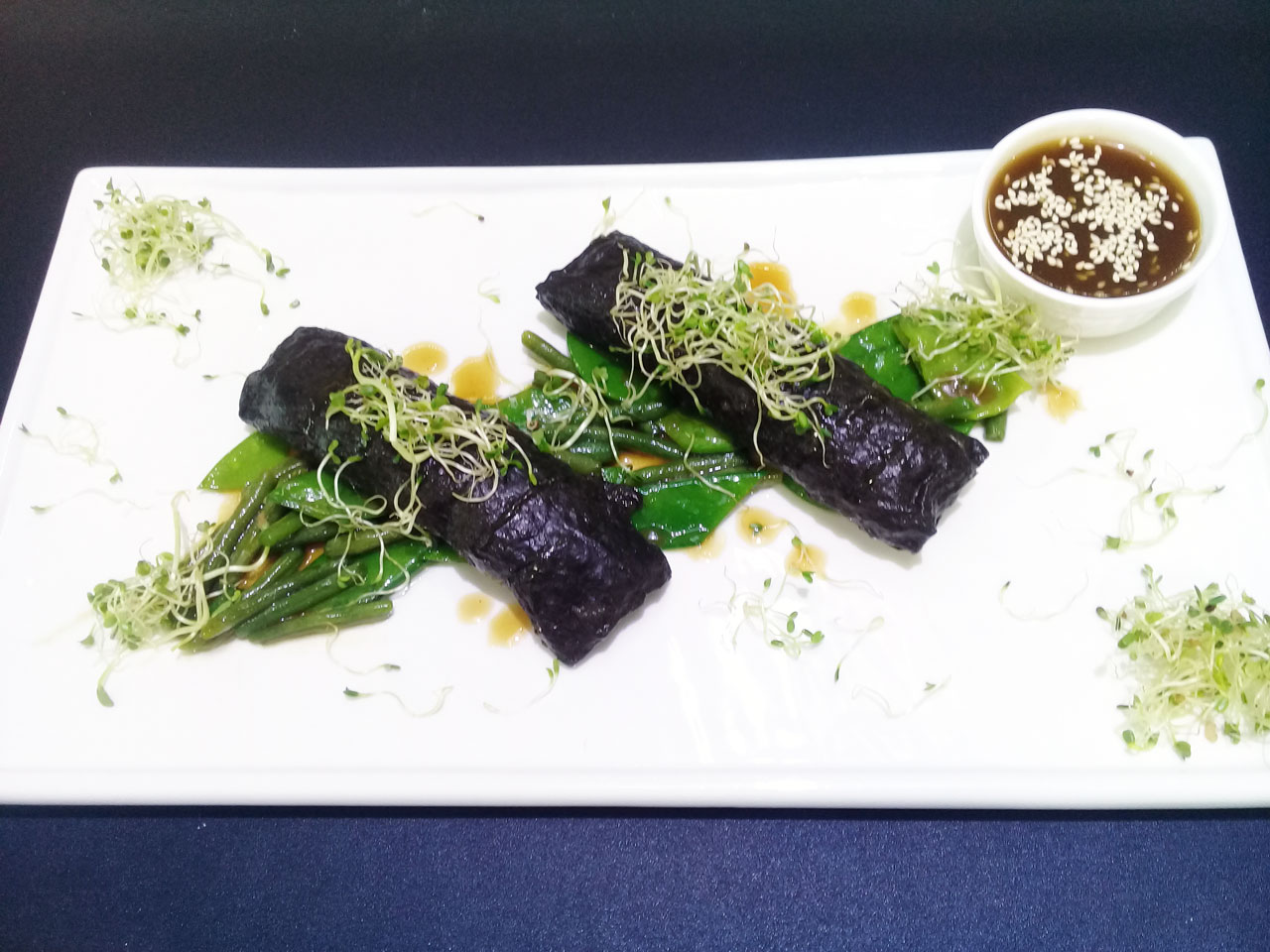 Филе дорада в водорослях нори - ресторан Аннам Брахма в Оренбурге