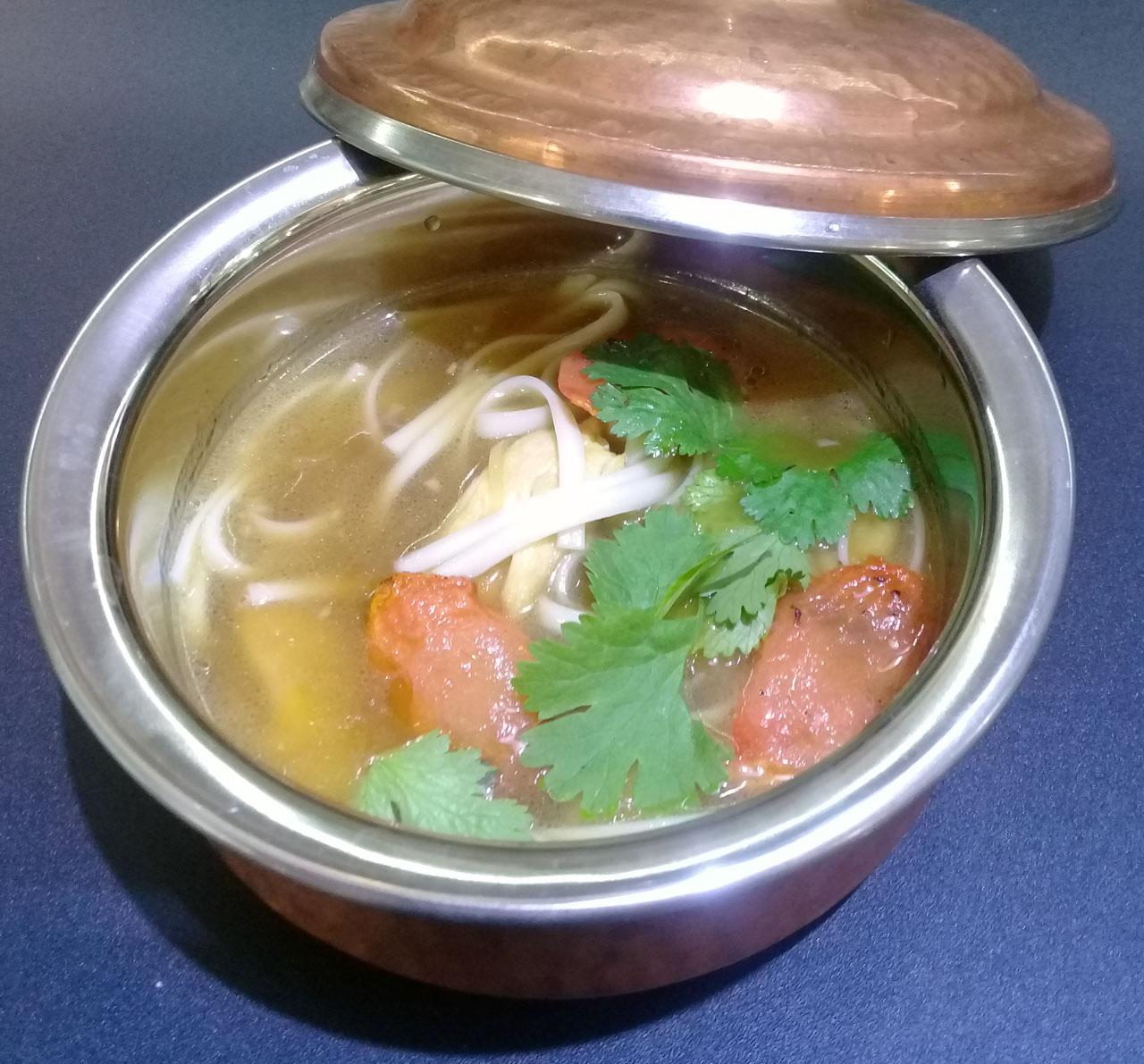 Китайский суп с курицей и пряными травами - ресторан Аннам Брахма в Оренбурге