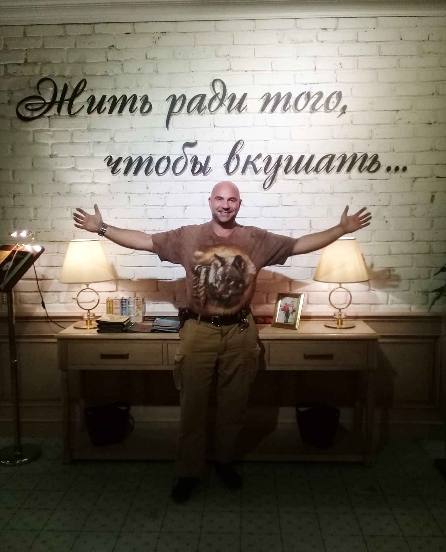 Тимофей-Баженов-в-ресторане-Аннам-Брахма