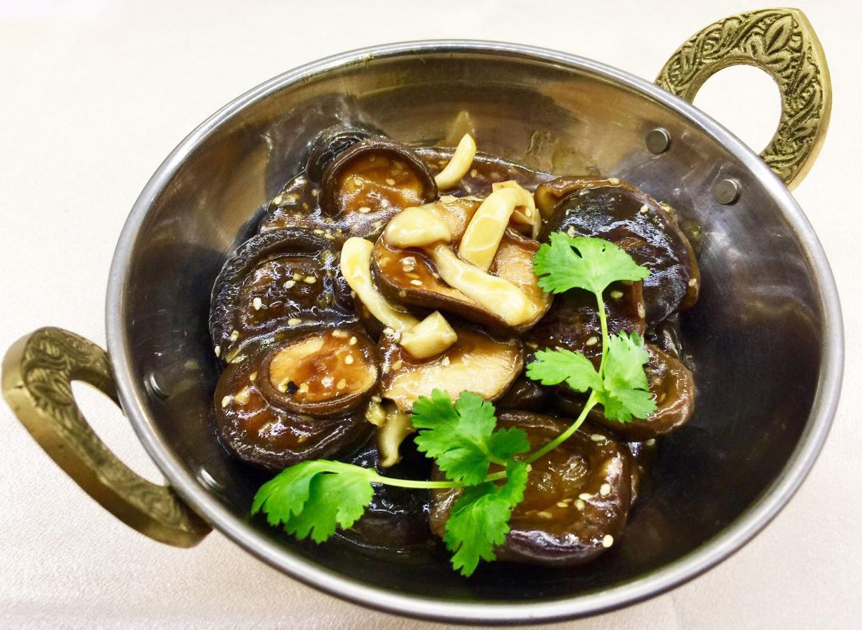 Шиитаке в устричном соусе - в ресторане Аннам Брахма в Оренбурге
