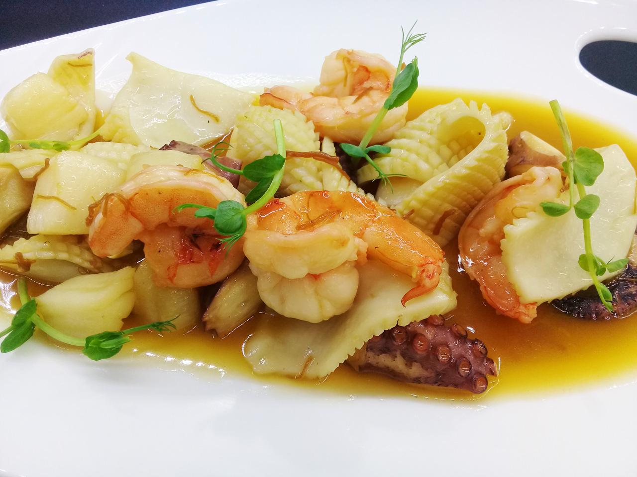 Жареные морепродукты - в ресторане Аннам Брахма в Оренбурге